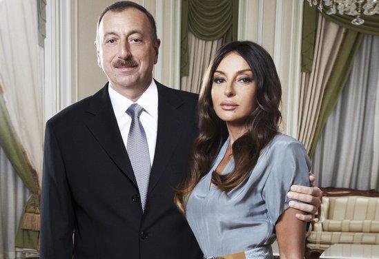 Prezident və xanımı Fərid Qayıbova təbrik ünvanladı