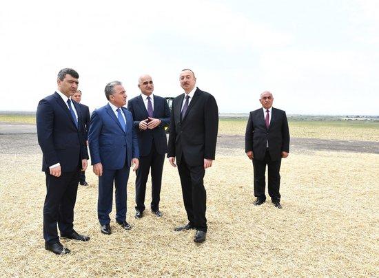 Prezidentin səfərindən maraqlı FOTOLAR