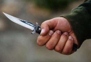 Göyçayda 24 yaşlı oğlan bıçaqlandı
