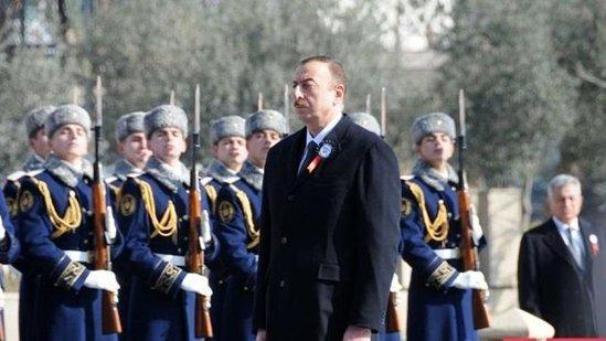 """Prezident """"Xocalı"""" abidəsini ziyarət etdi"""