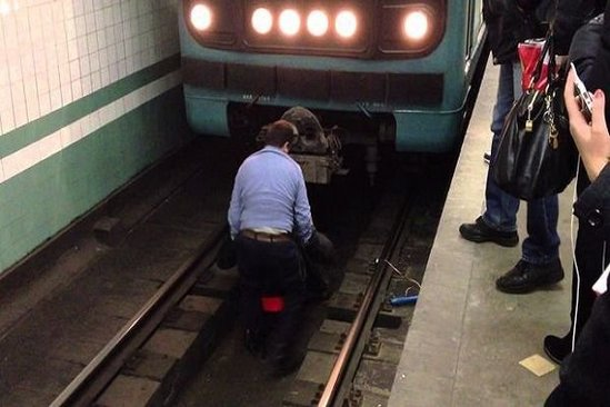 Bakının Qara Qarayev metrostansiyasında ölüm hadisəsi - YENİLƏNDİ