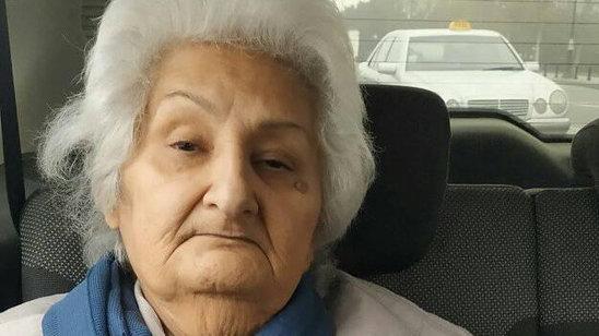 """""""Küçələrdə qalan qadına 10 gündür reaksiya verilmir"""""""