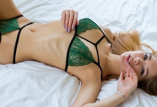 """19 yaşlı qız """"Playboy"""" üçün soyundu — FOTOLAR"""