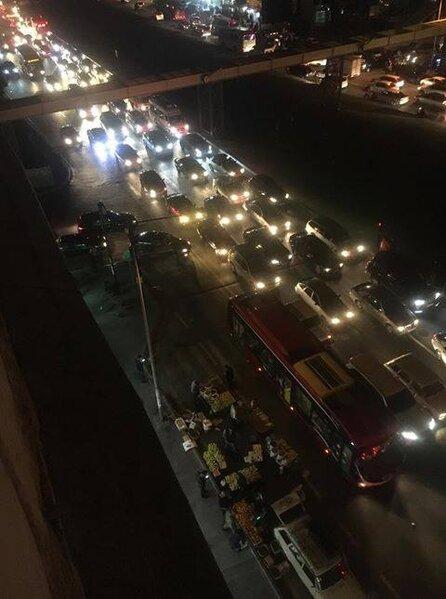 Bakıda avtobus dayanacağı meyvə-tərəvəz bazarına çevrilib - FOTO