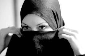 Xristianlığı qəbul edən azərbaycanlı qadın islama aid kitablarını SATIŞA ÇIXARDI- ŞOK ELAN