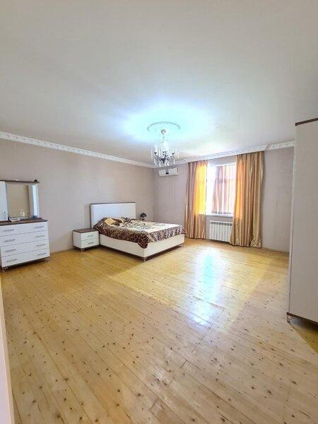 Sulutepe qesebesinde 4 sotun icinde 2 ikimertebeli ev satilir!