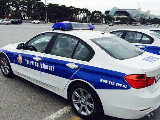 YPX avtomobili qezaya dushub, polis emekdashi xesaret alib – FOTO