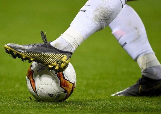 Avtomobil qəzası keçirən 27 yaşlı futbolçu öldü