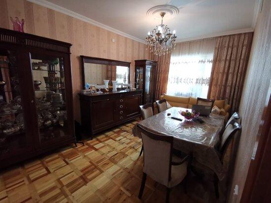 Tecili! Ukrayna dairesi yaxinliginda menzil satilir!
