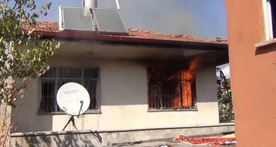 Oğrular yaşlı kişinin pulunu oğrayıb, evini yandırdılar