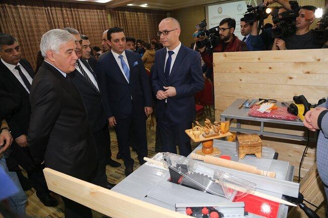 833 məcburi köçkün gəncə şəxsi biznesini qurmaq üçün avadanlıqlar təqdim edilib - FOTO