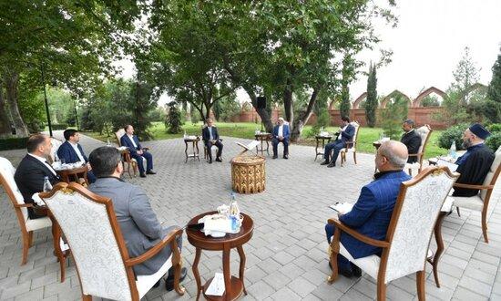 Prezidentin köməkçisi Gəncədə din xadimləri ilə görüş keçirib