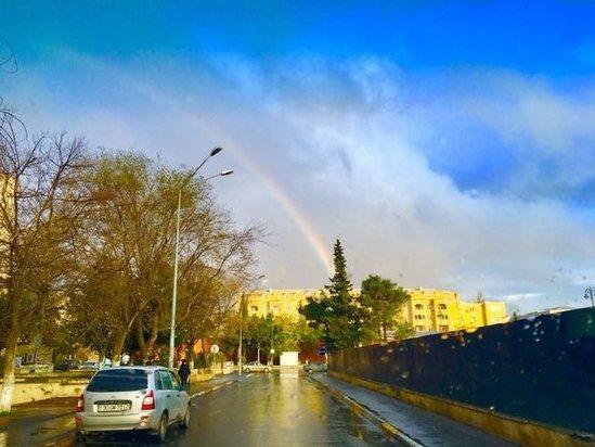 Səhər saatlarında Bakıda təbiət möcüzəsi – FOTO