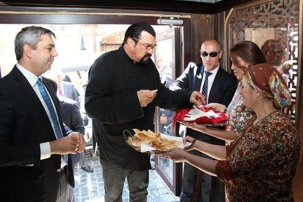 Bakının ən məşhur restoranı sökülür - FOTOLAR