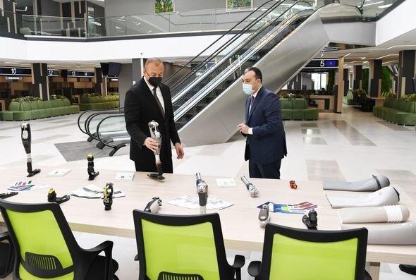 İlham Əliyev Bakıda yeni DOST mərkəzinin açılışında - YENİLƏNİB + FOTO