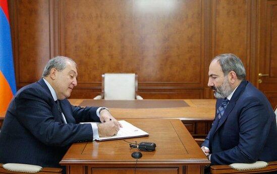 Sarkisyan Pashinyanin istefasini qebul etdi