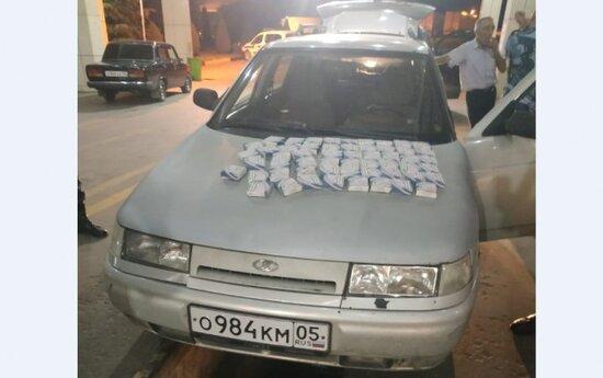 Avtomobildə gizlədilən xeyli miqdarda papiroslar aşkarlanıb